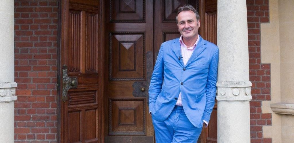 BBC TV looking for aspiring Antique Dealers