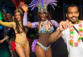 Showstoppers – Star in Your Own Dance Show